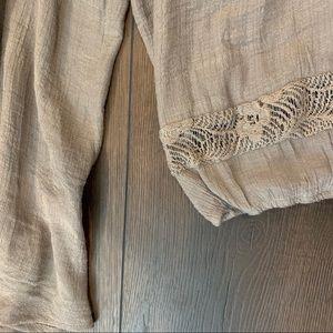 bobeau Tops - Bobeau Boho Crochet Floral Detail 3/4 Sleeve Top